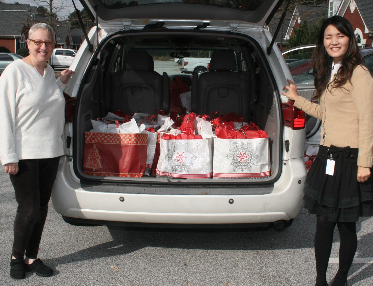 Gwinnett Senior Citizens Services Christmas Gift Delivery