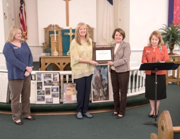 NSDAR recognition Vickie Johnson